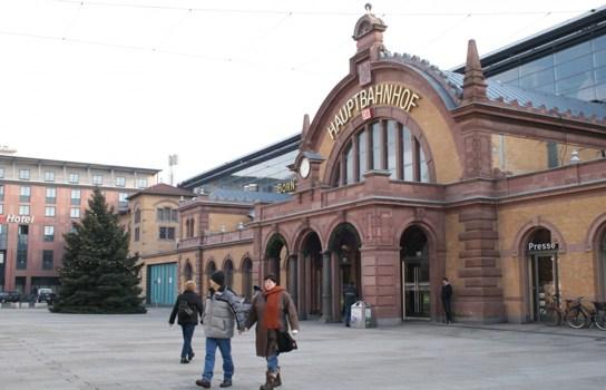 Wiedereröffnung nach Umbau im Dezember 2008 - Foto: www.bahnhof-erfurt.de
