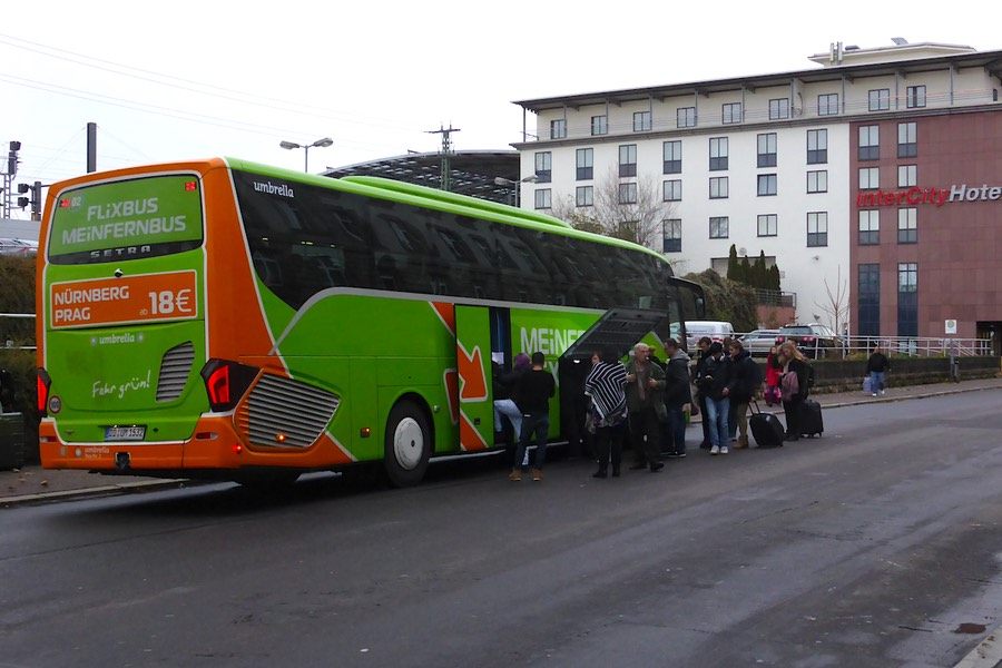 Fernbus-Haltestelle