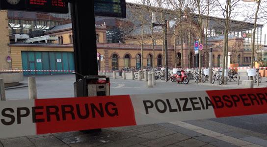 Bahnhof Erfurt von Polizei abgesperrt - Foto: www.bahnhof-erfurt.de