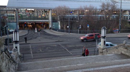 Freier Weg zum Bahnhof: Stadtparktreppe fertig saniert und geöffnet - Foto: www.bahnhof-erfurt.de